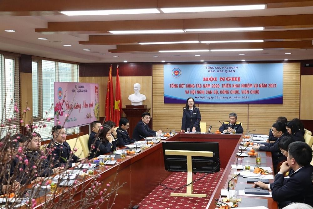 Tổng biên tập Vũ Thị Ánh Hồng khẳng định Tạp chí Hải quan sẽ tiếp tục làm tốt vai trò là cơ quan truyền thông đắc lực phục vụ hoạt động chính trị của Ngành. Ảnh: Quang Hùng.