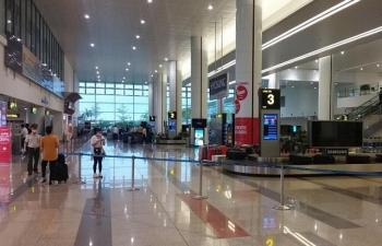 Chỉ còn hơn 300 khách nhập cảnh sân bay quốc tế Nội Bài
