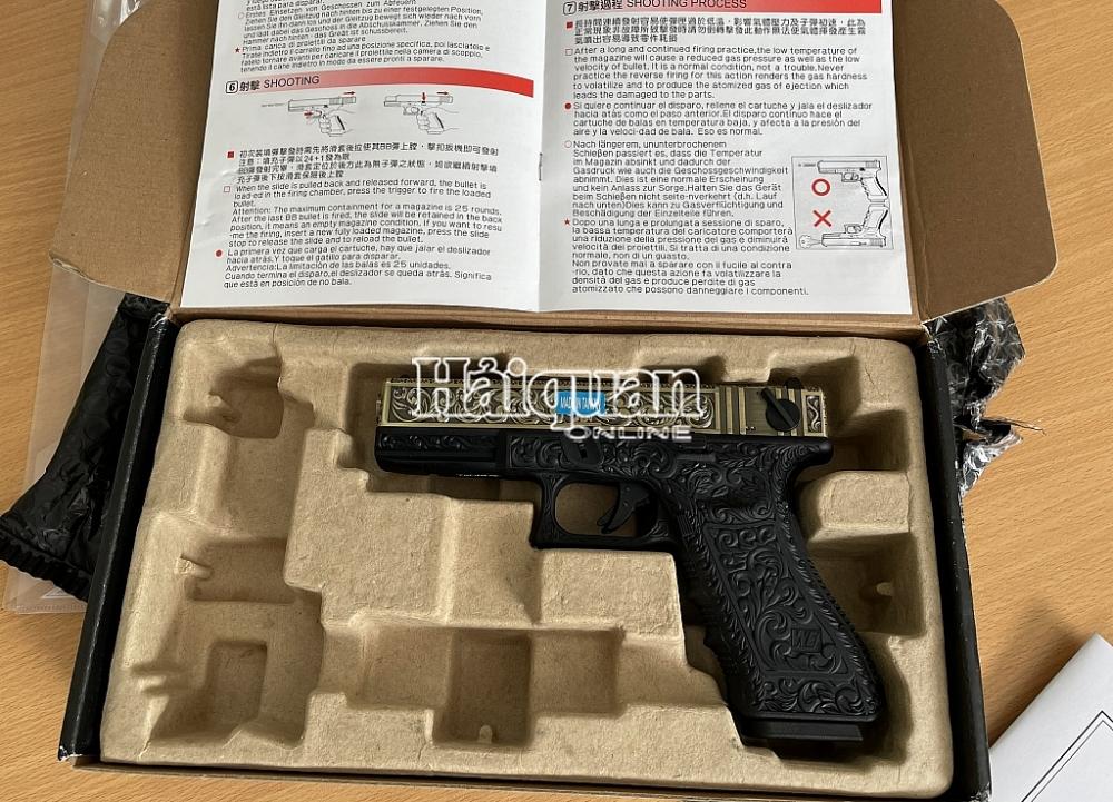 Các sản phẩm hình dạng súng được cất giấu trong gói hàng.