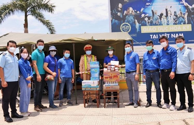 Thanh niên Hải quan Đà Nẵng đồng hành với lực lượng phòng chống dịch Covid-19