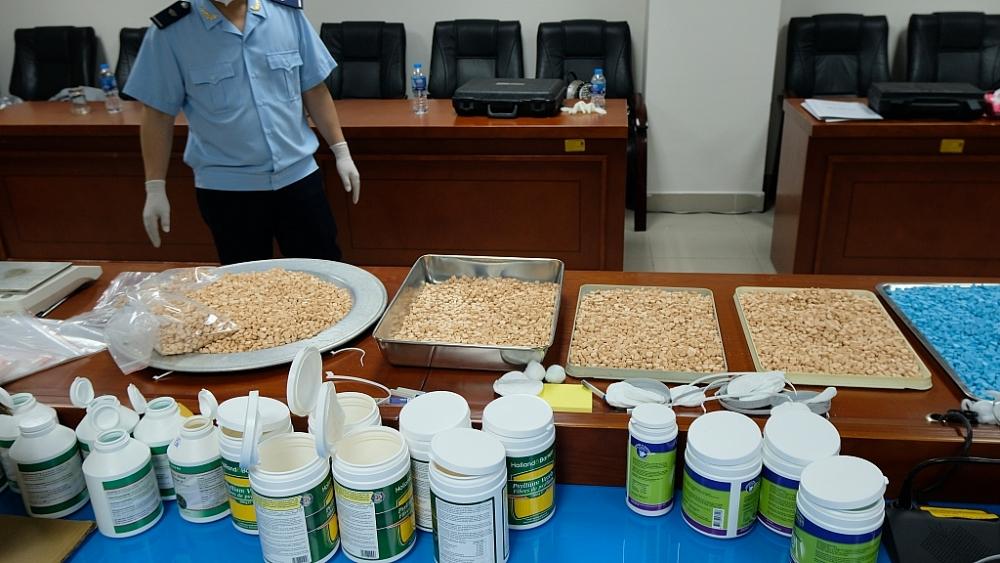 Ma túy được cất giấu rất tinh vi trong thuốc tân dược; hộp sữa;, hộp thực phẩm chức năng.... Ảnh: N.Linh