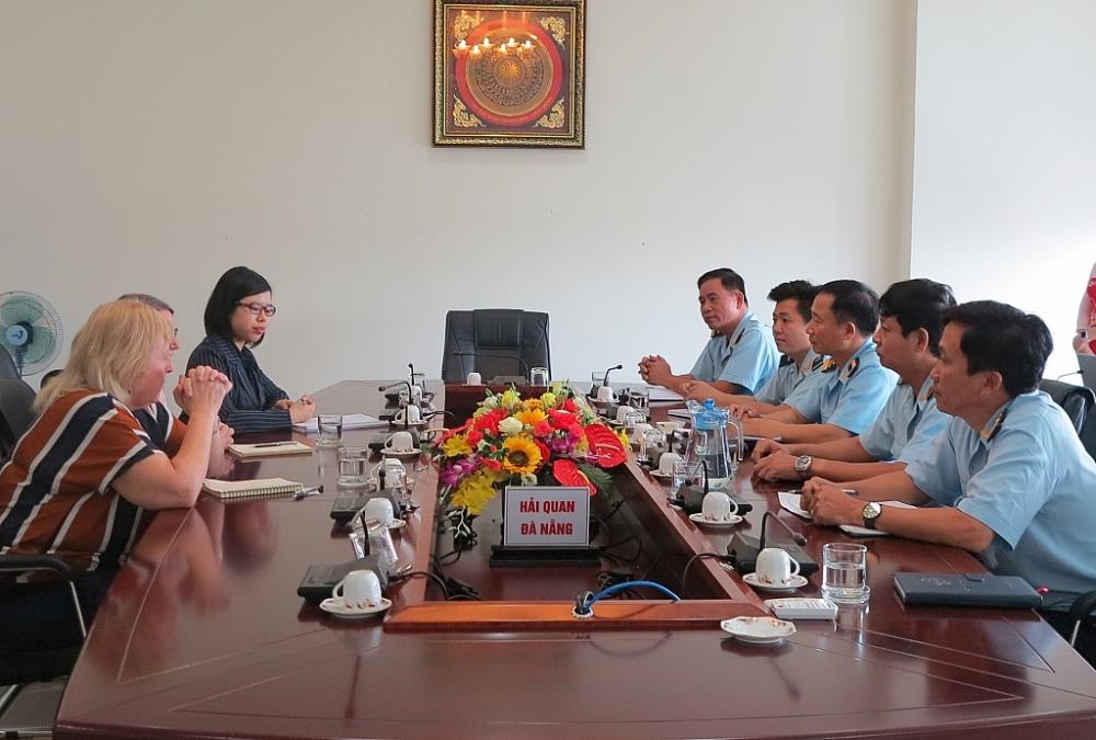 Cục Hải quan Đà Nẵng tiếp và làm việc với đoàn công tác UKBF.
