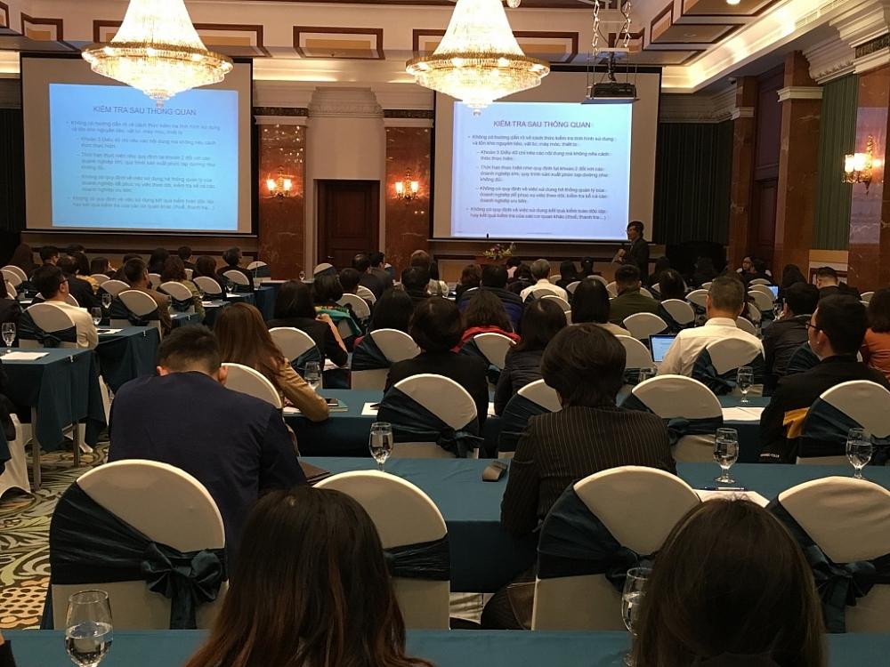 Một hội nghị lấy ý kiến doanh nghiệp xây dựng chính sách của Tổng cục Hải quan tổ chức. Ảnh: N.Linh