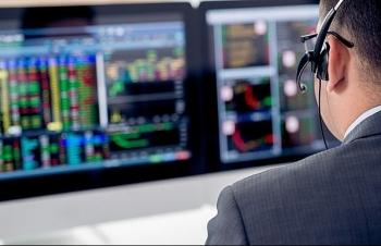 Con trai bầu Hiển mạnh tay chi trăm tỷ mua cổ phiếu SHB