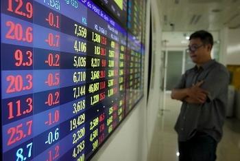 Thanh khoản trên thị trường chứng khoán liên tục suy giảm