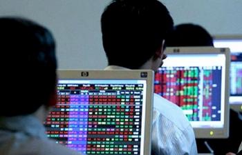 Chứng khoán 2/7: Dòng tiền đang trở lại nhóm các cổ phiếu vốn hóa lớn