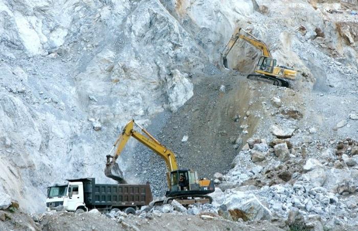Xây dựng quy định mới về mức thu, nộp quản lý phí thẩm định liên quan đến hoạt động khoáng sản