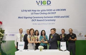 Ký kết biên bản ghi nhớ giữa Ủy ban Chứng khoán và VIOD