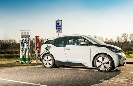 Các quốc gia trên thế giới ưu đãi thuế cho ô tô điện chạy bằng pin như thế nào?