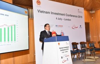 Bộ Tài chính đối thoại với hơn 200 nhà đầu tư nước ngoài tại Anh