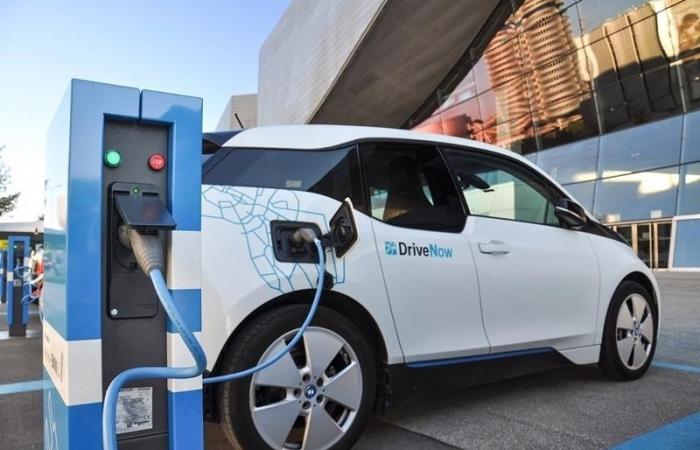 Ô tô điện chạy pin sẽ chỉ nộp lệ phí trước bạ bằng 50% ô tô thường?