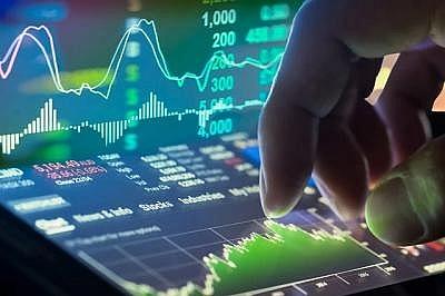 Thị trường chứng khoán thăng hoa với thanh khoản mỗi phiên đạt khá