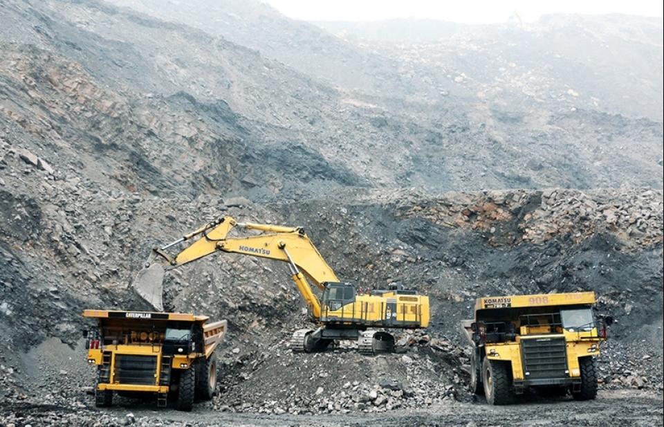 Bộ Tài chính không có thẩm quyền ban hành quy định thu phí thẩm định đề án đóng, mở cửa mỏ