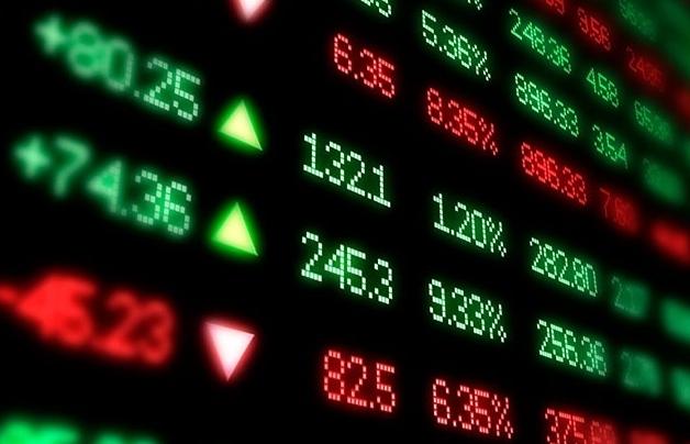 Cổ phiếu chứng khoán giao dịch bùng nổ