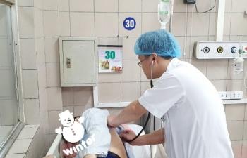 Cận Tết, bệnh nhân nhập viện do ngộ độc rượu tăng