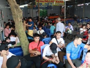 Phát hiện 3 nhà hàng ăn ở chùa Hương vi phạm an toàn thực phẩm