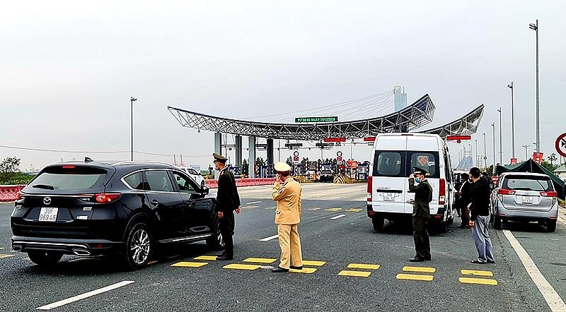 Thêm 3 ca mắc Covid-19 mới, Quảng Ninh tạm dừng hoạt động vận tải khách liên tỉnh