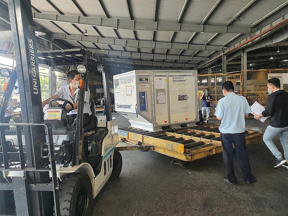 Lộ trình các lô vắc xin nhập khẩu về Việt Nam