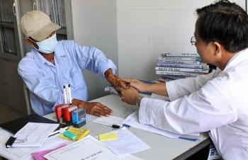 Nỗ lực tăng tỉ lệ bệnh nhân HIV có thẻ bảo hiểm y tế