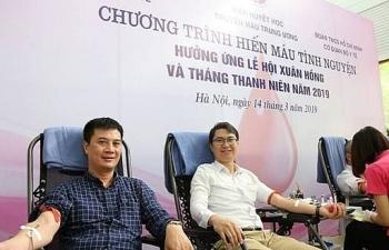 Lãnh đạo, nhân viên Bộ Y tế hiến máu cứu người