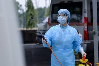 Hai người trên cùng chuyến bay dương tính, Việt Nam đã có 94 người nhiễm Covid-19