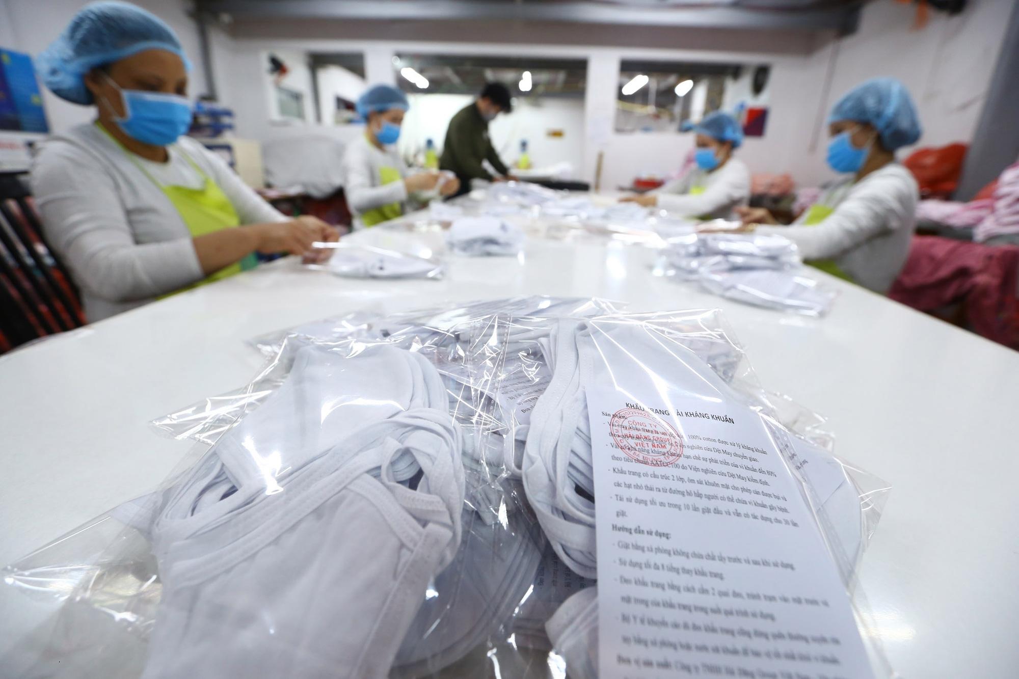 Bộ Y tế yêu cầu cung cấp giá khẩu trang, trang phục phòng chống dịch Covid-19