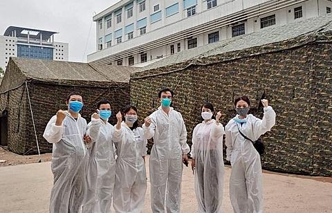 Xây dựng bệnh viện dã chiến ngay trong Bệnh viện Bạch Mai