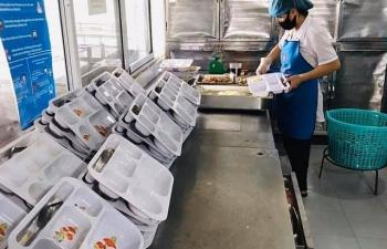 19 nhân viên của Trường Sinh cung cấp suất ăn cho BV Nội tiết âm tính