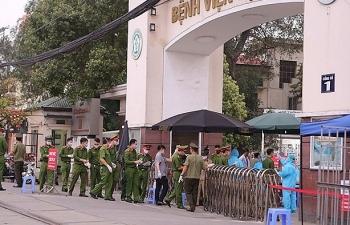 Bệnh viện Bạch Mai chỉ tiếp nhận các ca bệnh nặng