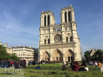 Chiêm ngưỡng nhà thờ Đức bà Paris vài phút trước thời điểm bị cháy