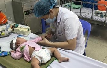 Nhiều trẻ mắc viêm não do chưa được tiêm vắc xin