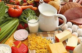 Người mắc các bệnh nền cần chế độ dinh dưỡng ra sao để phòng chống dịch bệnh?