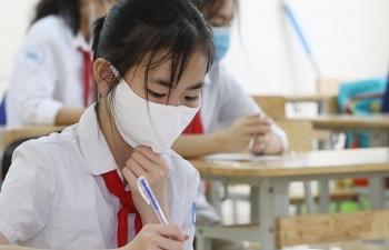 Bộ Y tế khuyến cáo học sinh sử dụng khẩu trang trong giờ ra chơi