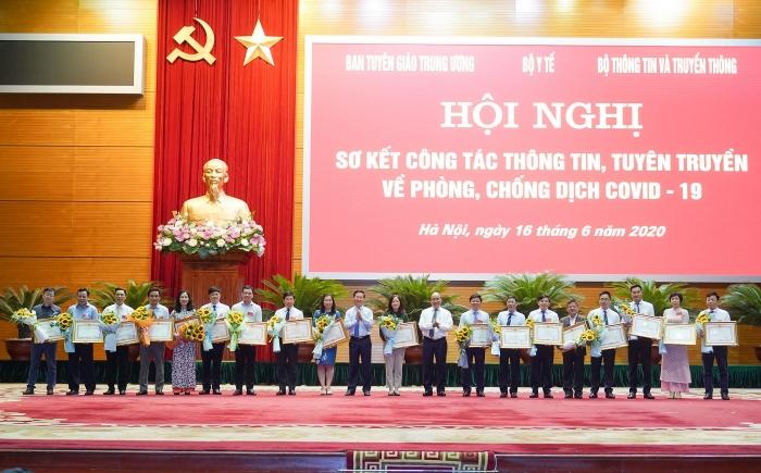 Thủ tướng Chính phủ biểu dương nỗ lực của các cơ quan báo chí trong cuộc chiến chống Covid-19