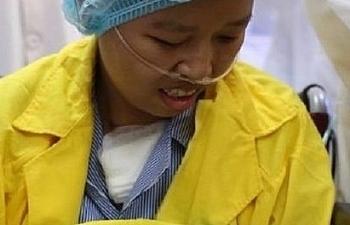 Sản phụ mắc ung thư vú vui mừng đón con xuất viện