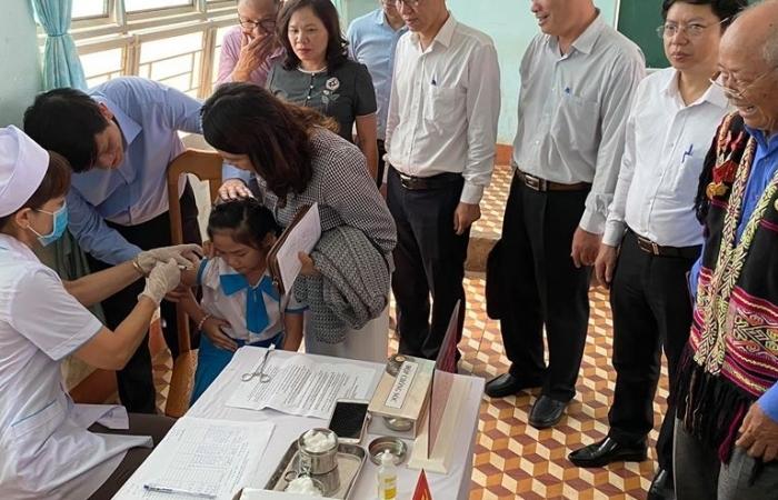 Phát động chiến dịch tiêm vắc xin bạch hầu tại 4 tỉnh Tây Nguyên