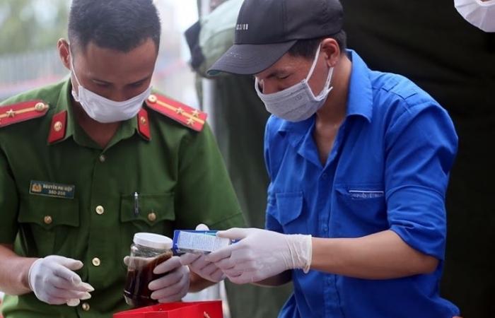 Tiếp tục cử chuyên gia y tế hỗ trợ BV Quảng Nam và Huế điều trị bệnh nhân Covid-19 nặng