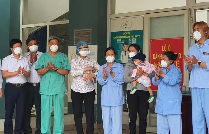 Thêm 12 bệnh nhân Covid-19 ở Đà Nẵng, Quảng Nam khỏi bệnh
