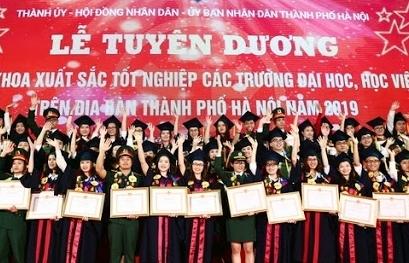 Tuyên dương 88 thủ khoa xuất sắc các trường đại học, học viện