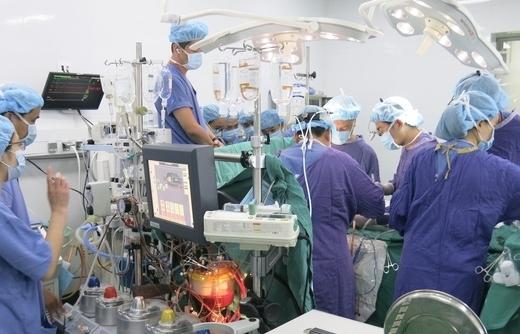 Xác lập kỷ lục mới về ghép tạng tại Bệnh viện Hữu nghị Việt Đức