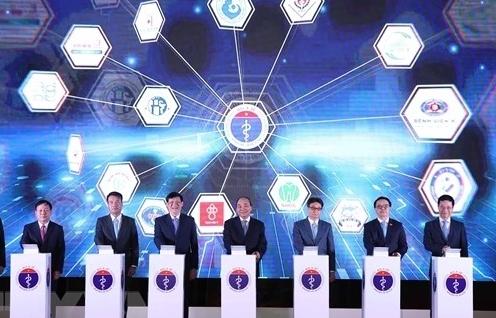 Thủ tướng Nguyễn Xuân Phúc dự Lễ khánh thành 1.000 cơ sở khám chữa bệnh từ xa