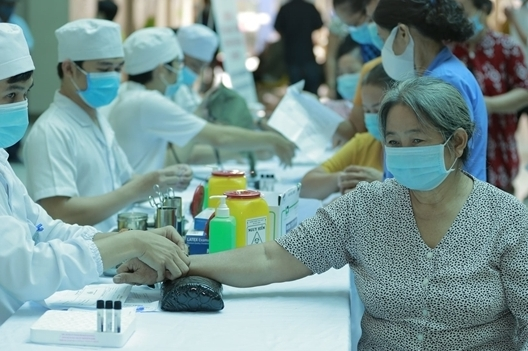 Đặt mục tiêu giảm tỉ lệ người Việt thừa cholesterol