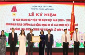 Viện Tim mạch Việt Nam nhận Huân chương Lao động hạng Ba