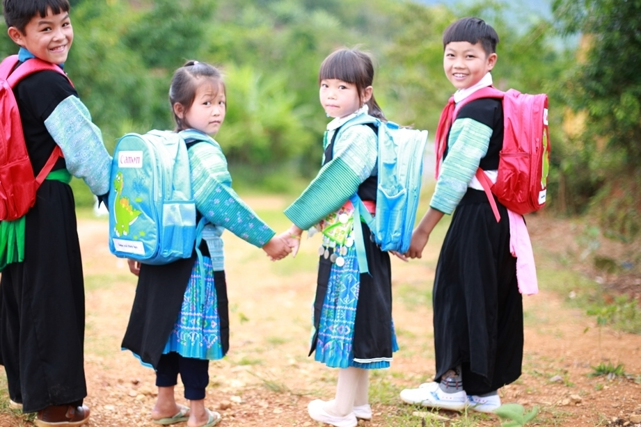 Nâng cao tỉ lệ đọc của trẻ em các vùng khó khăn