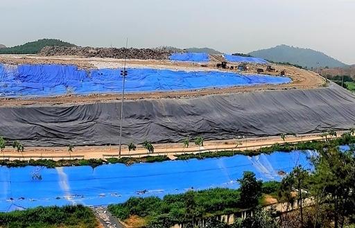 Hà Nội chỉ đạo xử lý khẩn vụ bãi rác Nam Sơn