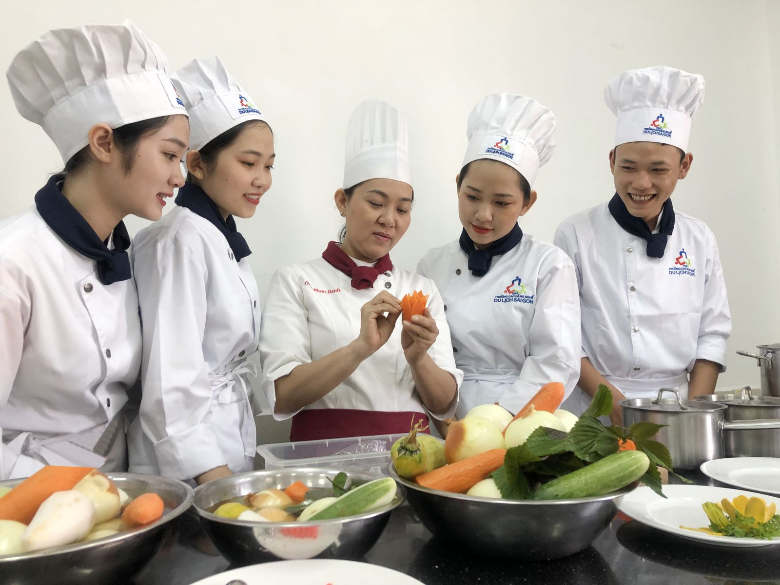 Xây dựng tiêu chí 7 cấp bậc cho đầu bếp Việt Nam