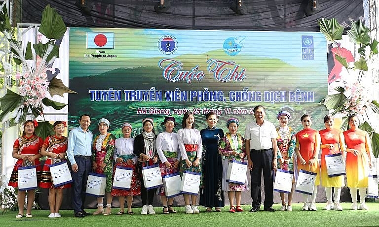 Truyền thông phòng, chống dịch Covid cho các tiểu thương dân tộc thiểu số tại Hà Giang