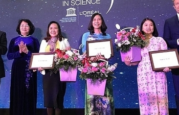 3 nhà khoa học nữ xuất sắc nhận giải thưởng L'Oréal