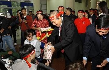 Phó thủ tướng thường trực Trương Hòa Bình dự Ngày hội Chủ nhật Đỏ