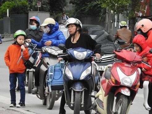 Hà Nội: Học sinh không phải mặc đồng phục khi trời rét